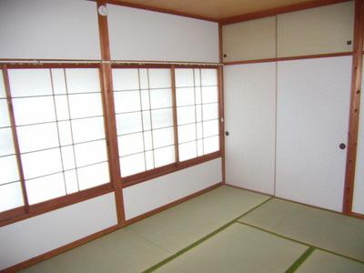 旭アパート和室.jpg